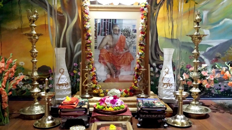 Pujya Gurudev's Altar